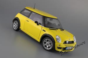 Прикрепленное изображение: Mini One (with Aerodynamic Package) Yellow Kyosho for MINI 80430148553_24.JPG