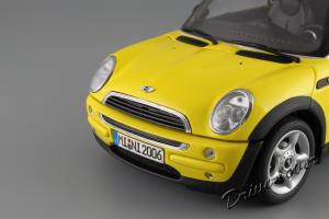 Прикрепленное изображение: Mini One (with Aerodynamic Package) Yellow Kyosho for MINI 80430148553_26.JPG