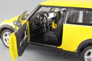 Прикрепленное изображение: Mini One (with Aerodynamic Package) Yellow Kyosho for MINI 80430148553_09.JPG
