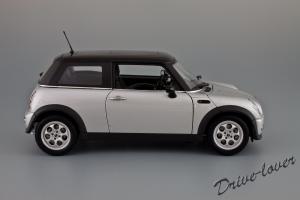 Прикрепленное изображение: Mini Cooper Autoart 74821_03.jpg