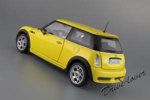 Прикрепленное изображение: Mini One (with Aerodynamic Package) Yellow Kyosho for MINI 80430148553_25.JPG