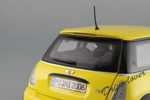 Прикрепленное изображение: Mini One (with Aerodynamic Package) Yellow Kyosho for MINI 80430148553_33.JPG