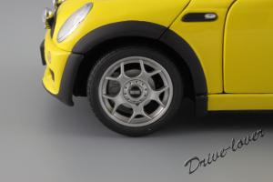 Прикрепленное изображение: Mini One (with Aerodynamic Package) Yellow Kyosho for MINI 80430148553_31.JPG