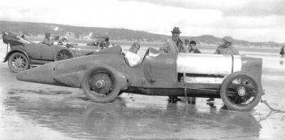 Прикрепленное изображение: 1924%20pendine,%20south%20wales%20-%20malcolm%20campbell%20(sunbeam%20550hp)%20146,2%20mph.jpg