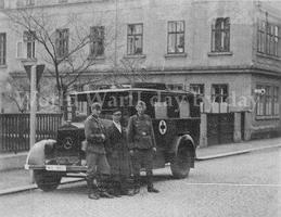 Прикрепленное изображение: Mercedes-Benz L 1500E Kfz.31 (4x2) Ambulance 1937-38 09.jpg