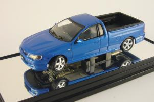 Прикрепленное изображение: Ford Falcon BA XR8 UTE blueprint Classic Carlectables 1.jpg
