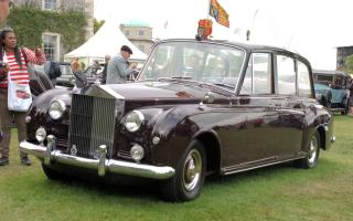 Прикрепленное изображение: 1961 Rolls-Royce Phantom V Canberra II Limousine by Park Ward, chassis no 5AS33 frt.jpg