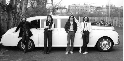 Прикрепленное изображение: the-beatles-1969-bw-photo-c-apple-corps-ltd-20091.jpg