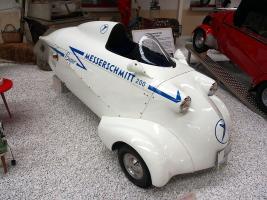 Прикрепленное изображение: 800px-FMR_Messerschmitt_KR_200_'Super'_pic1.JPG