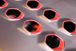 Прикрепленное изображение: S0-Mondial-de-Paris-2010-Lamborghini-Sesto-Elemento-toutes-les-infos-et-les-photos-live-de-sa-presentation-196462.jpg