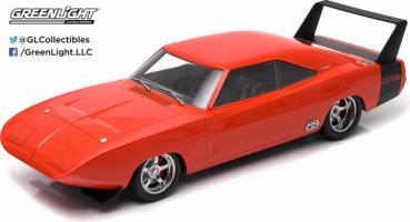 Прикрепленное изображение: 19004 - 1-18 Artisan Collection - 1969 Dodge Charger Daytona Custom – Red with Black Rear Wing (Front, b2b).jpg