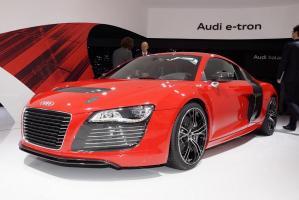 Прикрепленное изображение: Audi-R8-e-tron.jpg