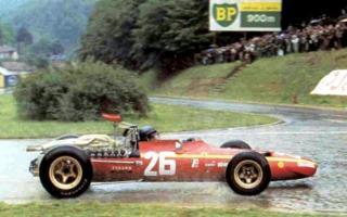 Прикрепленное изображение: 1968-french_grand-prix-win-03-800.jpg