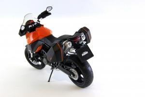 Прикрепленное изображение: KTM 990 SM-T (4).JPG