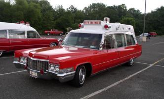 Прикрепленное изображение: Cadillac Superior 51 Ambulance 1970.jpg