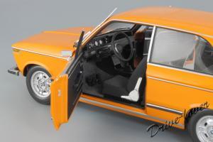 Прикрепленное изображение: BMW 2000Tii Touring Minichamps for BMW 80430145824_12.jpg