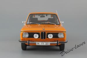 Прикрепленное изображение: BMW 2000Tii Touring Minichamps for BMW 80430145824_05.jpg