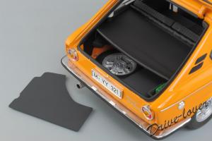 Прикрепленное изображение: BMW 2000Tii Touring Minichamps for BMW 80430145824_11.jpg