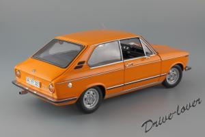Прикрепленное изображение: BMW 2000Tii Touring Minichamps for BMW 80430145824_07.jpg
