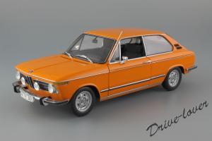 Прикрепленное изображение: BMW 2000Tii Touring Minichamps for BMW 80430145824_01.jpg