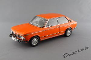 Прикрепленное изображение: BMW 2000 Touring Autoart 70682_01.jpg