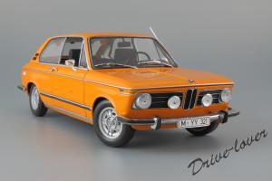 Прикрепленное изображение: BMW 2000Tii Touring Minichamps for BMW 80430145824_02.jpg