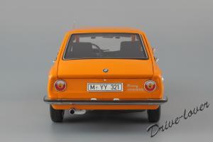 Прикрепленное изображение: BMW 2000Tii Touring Minichamps for BMW 80430145824_06.jpg