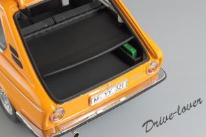 Прикрепленное изображение: BMW 2000Tii Touring Minichamps for BMW 80430145824_10.jpg