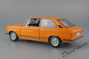 Прикрепленное изображение: BMW 2000Tii Touring Minichamps for BMW 80430145824_08.jpg