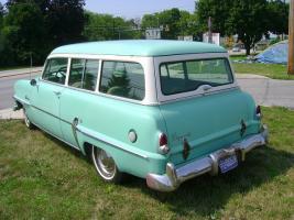 Прикрепленное изображение: Plymouth Belvedere Suburban - 1954.05.jpg