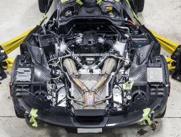Прикрепленное изображение: McLaren-P1-engine.jpg