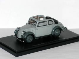 Прикрепленное изображение: Mercedes-Benz 130 Cabrio-Limousine 1935 001.JPG