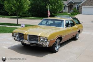Прикрепленное изображение: 1971 Oldsmobile Vista Cruiser 5.jpg