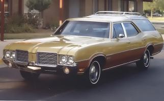 Прикрепленное изображение: 1971 Oldsmobile Vista Cruiser 4.jpg