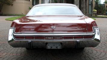 Прикрепленное изображение: 1973 Chrysler New Yorker Brougham 4.jpg