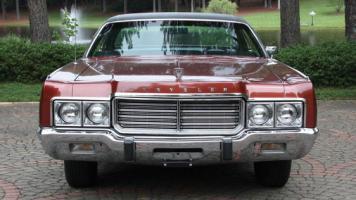 Прикрепленное изображение: 1973 Chrysler New Yorker Brougham 3.jpg