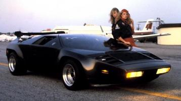 Прикрепленное изображение: Vector_W2_Twin_Turbo_1988-89_Fashion-shots_09.jpg