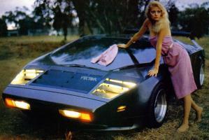 Прикрепленное изображение: Vector_W2_Twin_Turbo_1988-89_Fashion-shots_04.jpg