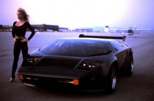 Прикрепленное изображение: Vector_W2_Twin_Turbo_1988-89_Fashion-shots_08.jpg