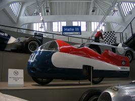 Прикрепленное изображение: 800px-NSU_Delphin_III_-_Deutsches_Museum_Verkehrszentrum.JPG