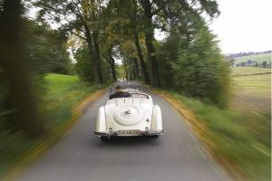 Прикрепленное изображение: Audi-Front-225-Roadster-fotoshowBig-f3e3fd7b-192393.jpg