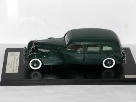 Прикрепленное изображение: Duesenberg Model J Bohman & Schwartz Landaulet Throne Car 1937 002.JPG