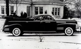 Прикрепленное изображение: Cadillac Miller Meteor Flower Car 1941.jpg