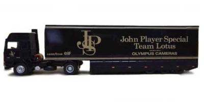 Прикрепленное изображение: Volvo F12, John Player Special F1 Transporter.jpg