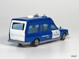 Прикрепленное изображение: Mercedes-Benz W123 Policia Ambulancia Norev Jet Car z.jpg
