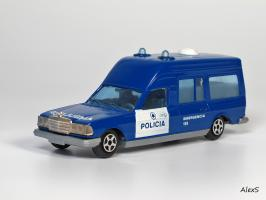 Прикрепленное изображение: Mercedes-Benz W123 Policia Ambulancia Norev Jet Car.jpg