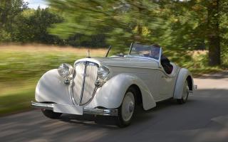 Прикрепленное изображение: 1935-Audi-225-Front-Roadster-Motion-1-1280x800.jpg