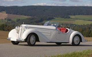 Прикрепленное изображение: 1935-white-audi-front-225-roadster-копия.jpg