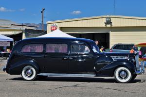 Прикрепленное изображение: 1940 Henney Packard funeral.jpg