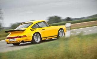 Прикрепленное изображение: 1987-ruf-ctr-yellowbird-911-turbo-photo-552565-s-986x603.jpg